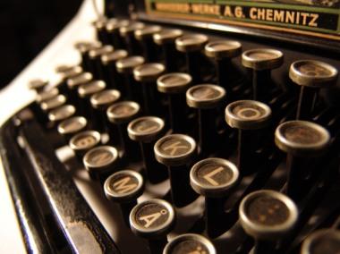 typewriter-1478316